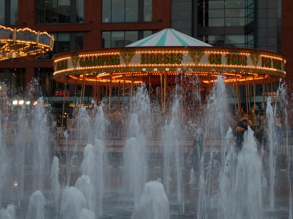 Karussells und Springbrunnen