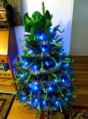 A Very Lovecraft Christmas II (liquidnight) Tags: christmas xmas blue decorations tree green home oregon silver portland toy lights holidays garland plush cthulhu lovecraft pdx decor hplovecraft tentacles ovo archiemcphee eldritch tentacular cthulhufhtagn cthulhumas phngluimglwnafhcthulhurlyehwgahnaglfhtagn liquidnight