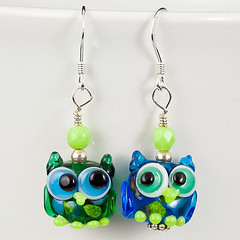 Little Hoot Owls (maybeads) Tags: glass animal handmade critter bead earrings lampwork maybeads