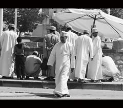 (It's Stefan) Tags: street umbrella arabic nizwa arabisch sultanateofoman