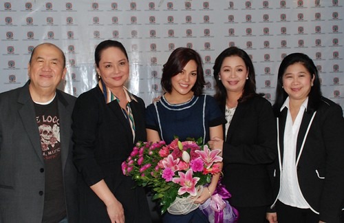 KC CONCEPCION CHOOSES TO REMAIN A KAPAMILYA