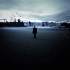 Stadium (sparth) Tags: seattle park field fog square evening washington december soccer 25 redmond washingtonstate iv ricoh rolling soccerfield perrigo carre 2011 grd december25 grd4 perrigopark ricohgrdiv grdiv ricohgrd4 december252011