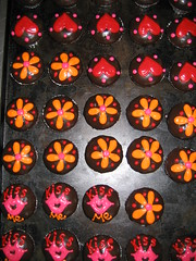 Wicked Chocolate cupcakes dipped in ganache with piped daisies, lips & hearts (Charly's Bakery) Tags: birthday cake town tv chocolate cupcake wicked angels bakery reality cape vanilla charlys