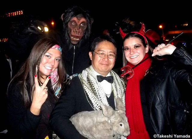 Seara (sea rabbit), Dr. Takeshi Yamada and beautifully costumed paraders at New Yorks Greenwich Village Halloween Parade in Manhattan, New York.  (October 31, 2011)   20111031 134  Devil Girl, Gorilla