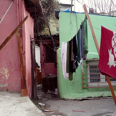 Istanbul (manu/manuela) Tags: houses colors turkey couleurs maisons trkiye istanbul case turquie laundry colori washing sultanahmet pannistesi laver lavare lessive