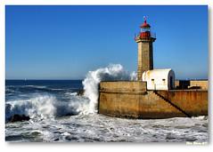 Farolim de Felgueiras (vmribeiro.net) Tags: portugal geotagged porto interestingnessjan11 felgueiras farolim ilustrarportugal geo:lat=4114666782636837 geo:lon=8676647056127877 2012188