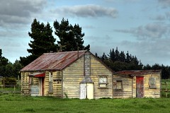 Old house, Chertsey, Canterbury, New Zealand (brian nz) Tags: old newzealand house building abandoned home farmhouse rural decay farm cottage canterbury derelict dilapidated chertsey deterioration whare oldandbeautiful oncewashome