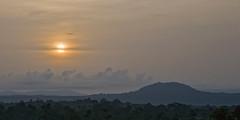 Amanece en Guinea (Flix Corral (Pantone)) Tags: africa sol atardecer selva amanecer bosque ave cielo nubes bata niebla pjaro aguila guineaecuatorial jungla