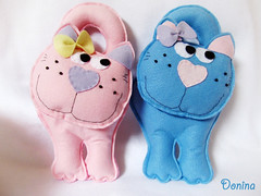 Miauuuuuuu (Donina - Design de Acessórios) Tags: box feltro gatinhas portamoedas portaníquel enfeitedemaçaneta