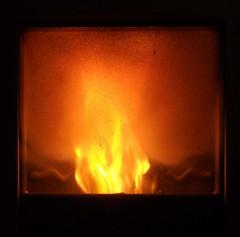 Casa (annina88) Tags: home fire casa warm zuhause stove feuer inverno calore montagna fuoco ofen gemuetlichkeit stufa selvino
