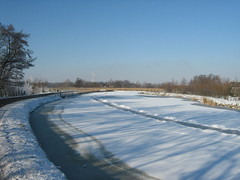 River Waver, snow and ice (DennisM2) Tags: winter snow ice frozen bevroren sneeuw ijs waver riverwaver rivierdewaver
