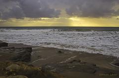 Amanece...que no es poco...:) (Carmen Lario) Tags: sea sky españa sun sol beach clouds sunrise mar andalucía stones playa amanecer cielo nubes almería piedras mojácar carmenlario eldescargador cloudsstormssunsetssunrises