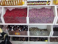 Herbs & spices shop. (Linda DV (away)) Tags: africa travel canon geotagged morocco maroc atlas marrakech marrakesh highatlas 2011 rahbakedima almaġrib المغربالعربي lindadevolder مراكش rahbaqedima powershotsx30 ochrecity