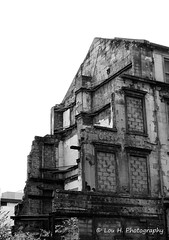 Day 36 - Abandoned (Lou H.) Tags: old blackandwhite building abandoned architecture canon scotland ruins glasgow oldhouse 365 vanishing derelict destroyed oldbuilding day36 ruined project365 louh destroyedbytime