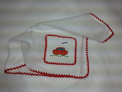Fralda de Boca - Carrinho Vermelho F001 (SaluArts) Tags: de pano cruz infantil bebê boca ponto paninho fralda fraldinha enxoval