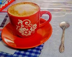 Cappuccino time!  (Xic Eseyosoyese (Juan Antonio)) Tags: en flores caf mxico de la nikon y time tienda coolpix este cappuccino coffe plato taza con calor  espuma tiempo sabor cuchara miscelnea capuchino s33 calorchino