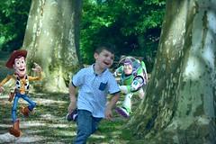 Go Go Go (nicolaspetit7878) Tags: boy andy race children fun nikon toystory outdoor son run course montage he enfant extrieur arbre parc joie jouet banc rire garon retouche jeux courir enlight sourir 852 buzzlclair enoa projet52 semaine8 nikond5500