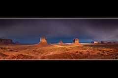Golden Sunset on Monument Valley (KmrksY) Tags: sunset arizona panorama canon eos golden unitedstates monumentvalley visitorcenter buttes 40d