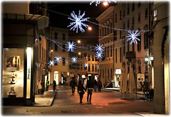 si accendono le prime luci di Natale... a Pistoia (Massimo Luca Carradori) Tags: light italy lights italia tuscany luci toscana natale magia pistoia festività massimocarradori carradorimassimo