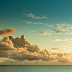 Ciel et mer (Alimage) Tags: voyage light sunset sea sky mer france nature clouds pentax lumire martinique dom horizon ciel beaut nuages coucherdesoleil k5 antilles srnit cubagallery pentaxk5