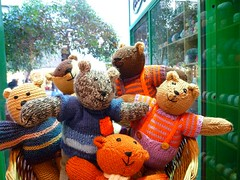 A Bear in knit is a friend indeed (sifis) Tags: knitting knit bear wool sweater pullover scarf sakalak leica athens greece city friend christmas colours sakalakwool      hugs teddy noel natal