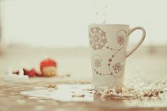 Day 345.365 - Holiday Splash! (anshu_si) Tags: christmas ikea water coffee pattern mug splash nikon50mmf18d snowflakemug