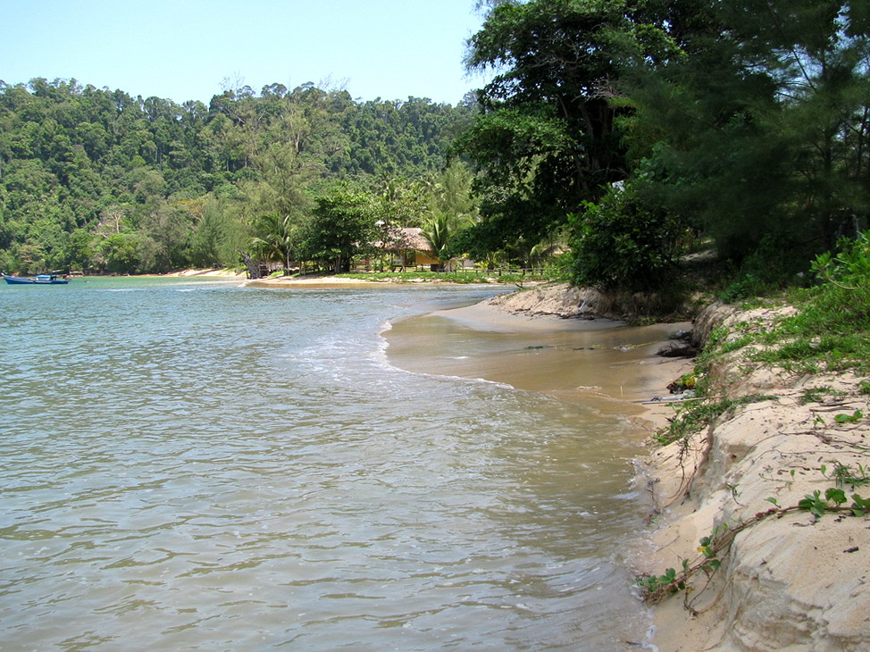 North Ao Khao Kwai, beach sometimes disappears at high tide