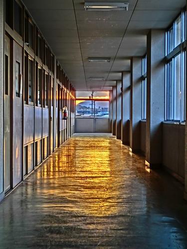 夕陽がはいる廊下 #HDR #ZR10 #EX-ZR10