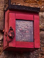 street alarm box with wasps' nest inside (composingfun) Tags: color rot alarm digital d50 firealarm wasp farbe wespen brandmelder feuermelder wespe wespennest feueralarm