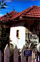 H 3 (a.ninguem) Tags: house abandoned film casa xpro ruins cross kodak destruction chrome ruinas zenit filme process abandono cromo devastao df300 expided