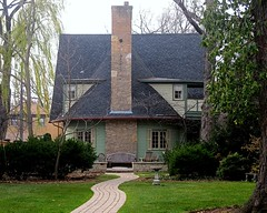 Charles E. Roberts Stable (1896) (chicagogeek) Tags: chimney architecture illinois franklloydwright stable oakpark remodeling coachhouse