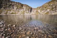 (ニノ Nino) Tags: mountain lake ex nature beautiful beauty trekking lens dc lift angle outdoor stones wide lakes 7 sigma bulgaria rila seven mm 1020 rilski f456 sedemte ezera hsm българия рилски езера рила седемте