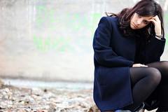 (Dani Bravo [Els somnis de Bravo]) Tags: portrait woman girl azul del la bravo chica negro dani ruth fotografia jeje marino casi bassa churri pensadora chaqueton