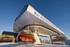 8er Asitzgipfelbahn Bergstation (Saalfelden-Leogang) Tags: salzburg österreich job leogang doppelmayr …sterreich at sterreich 8cldbso asitzgipfelbahn