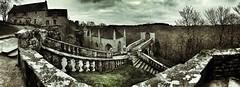 Aux marches du Gondor... (RVBO) Tags: bretagne morbihan couleur panoramique stebarbe lefaouet