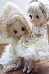 Mint girls, Verveine and Pomky (Rainbow Magical Orchestra ) Tags: pink white cute rabbit dolls little bokeh mint adorable dal sanrio melody coco ren pullip lovely cuuute poupes verveine joujou my azazelle pomky