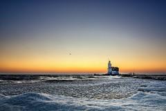 Dawn at the lighthouse The Horse of Marken || dageraad paard van Marken in de vrieskou (2012) (EdRocket) Tags: winter lighthouse holland netherlands 10 nederland vuurtoren marken ijsselmeer ijs vorst markermeer paardvanmarken