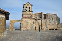 Iglesia de San Vicente en Fras (TerePedro) Tags: espaa church spain iglesia burgos arco eglise sanvicente frias aboutiberia