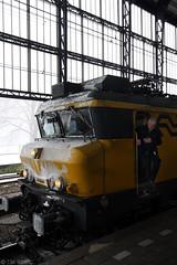 Winter 2012 (Tim Boric) Tags: winter haarlem ns sneeuw trein 1700 ijs locomtief