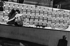 MASP (Th. C. Photo) Tags: street blackandwhite bw photography avenida streetphotography pb streetphoto rua fotografia pretoebranco av paulista masp fotografiaderua streetphotographysp