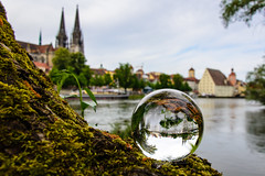 Dom und Salzstadel // Mit der Kugel durch Regensburg (seyf\ART) Tags: town ships stadt refraction steamboat regensburg ratisbon crystalball glaskugel