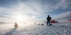 Svalbard 2016-1018 (Cal Fraser) Tags: camp people dog max dogs norway tents svalbard arctic parhelion sleddog sundogs spitzbergen nightline sledgedog sledgedogs alfraser alistairfraser gregmaxted surfacedrift