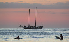 Sunset cruise, Tamarindo, Costa Rica (maxunterwegs) Tags: sea mer sailboat boot boat mar costarica meer dusk tamarindo segelboot guanacaste