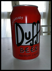 Duff Beer (LITTLE-YORK) Tags: red kitchen beer drunk america table real fun tin europe symbol drink sete famous cerveza cartoon beverage fame drinking icon simpsons can legendary fantasy german alcohol cult moe marca bier springfield cerveja write brand rosso birra thirst bartender duff thirsty bire homersimpson biere duffman refreshment  alchol lattina drinker simbolo boe wellknown renowned   premiumlager barneygamble fictionalbrand