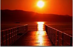 Una nuova partenza (meghimeg) Tags: light sea sun sunrise pier boat barca mare alba sole molo luce santamargherita 2011