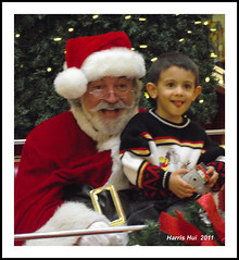 Have You Met With Santa? - Lansdowne Mall S1430e (Harris Hui (in search of light)) Tags: santa christmas red canada vancouver bc poor richmond shoppingmall santaclaus fujifilm happyholidays merrychristmas pointshoot christmasgifts colorred poorchild digitalcompact holidayshopping s1600 fujis1600 childpoverty pictureswithsanta themaninred harrishui vancouverdslrshooter whereareyousanta lansdowneshoppingmall thepoorandtherich onwelfare wearetheluckyones haveyoumetwithsanta santaisthemanwhobringsyouhappiness apopularperson bchasthehighestchildpovertyrateincanada welfarecheckisalwasylate