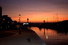 Autumn sunset at the harbor (Matteo Biguzzi [bigu77]) Tags: pink sunset red sea sky green love beach colors yellow canon relax eos country violet cesenatico