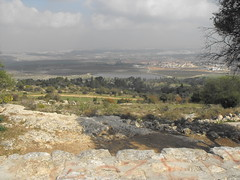 Canada Park - Looking Over Ayalon Valley (Lihi Laszlo) Tags: church israel jerusalem crusaders crusades latrun abugosh einhemed canadapark emmausnicopolis ayalonvalley
