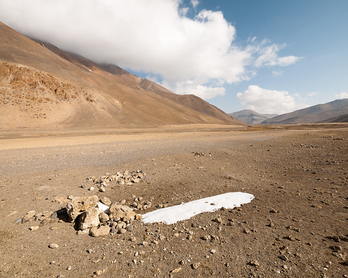 Arid and cold landscape of Tibet