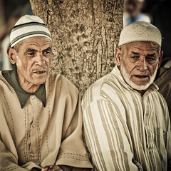 Moroccans (Paki Nuttah) Tags: life africa street portrait people man male men face square person faces african morocco maroc moroccan taroudant taroudannt portrais moroccans thisphotorocks africns